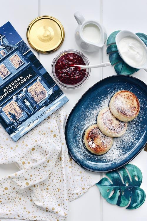 Бесплатное стоковое фото с book, breakfast, food, morning