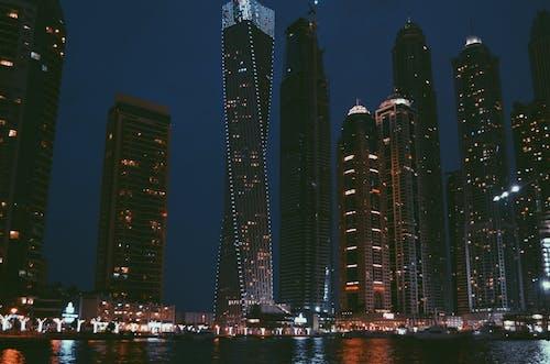 Gratis lagerfoto af aften, anløbsbro, arkitektur, både