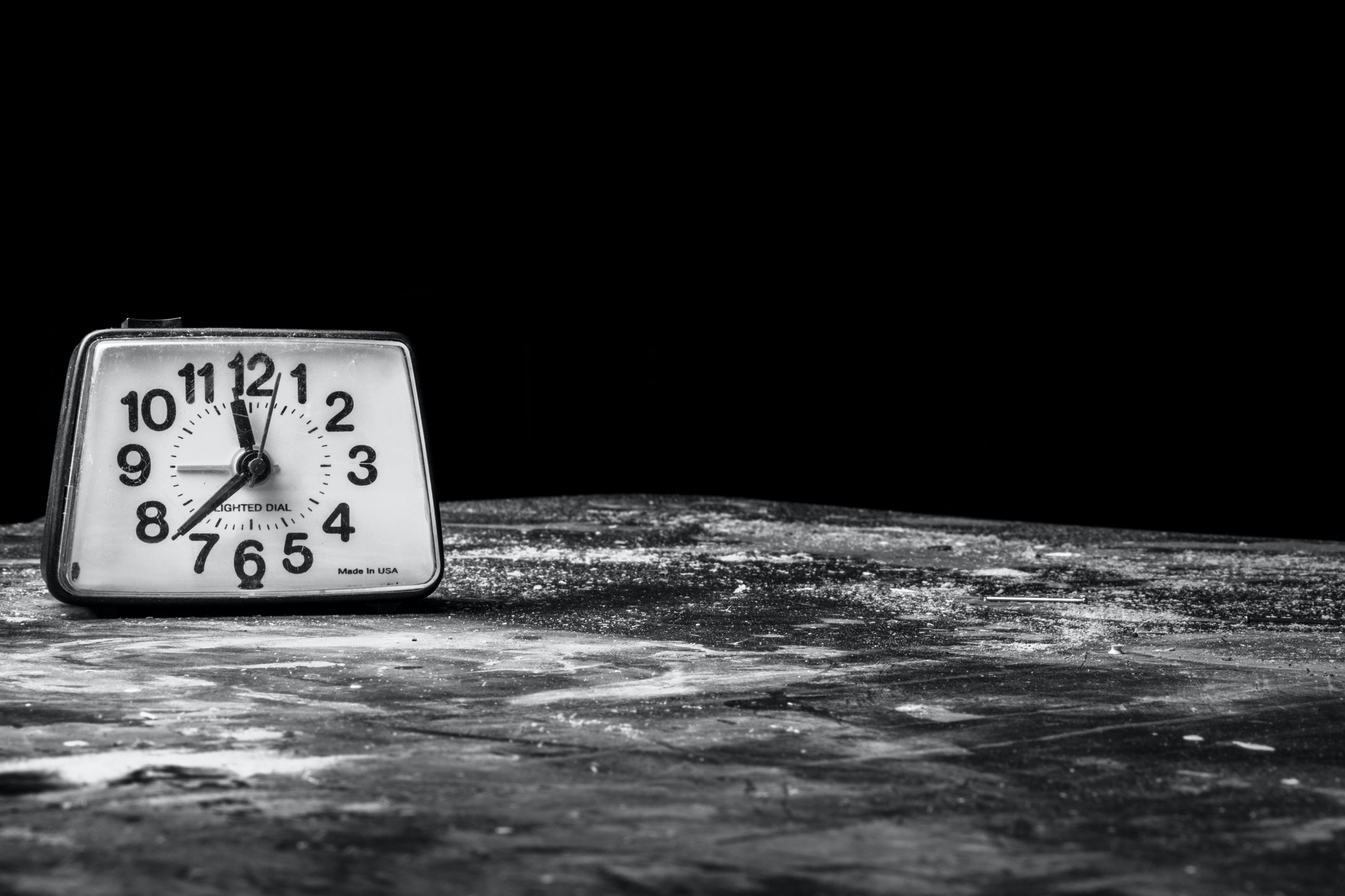 met alarm, klok, slaap, tijd