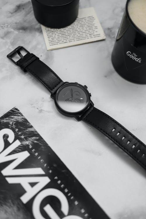 Δωρεάν στοκ φωτογραφιών με αξεσουάρ, παρακολουθώ, ρολόι