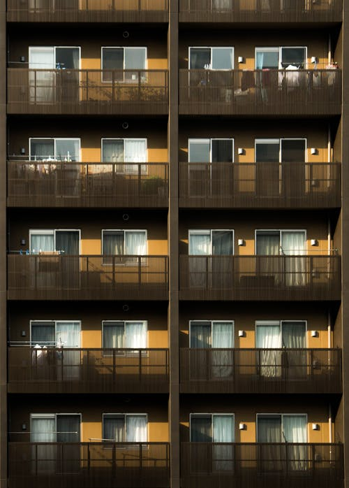 Základová fotografie zdarma na téma apartmány, architektura, balkony, budova