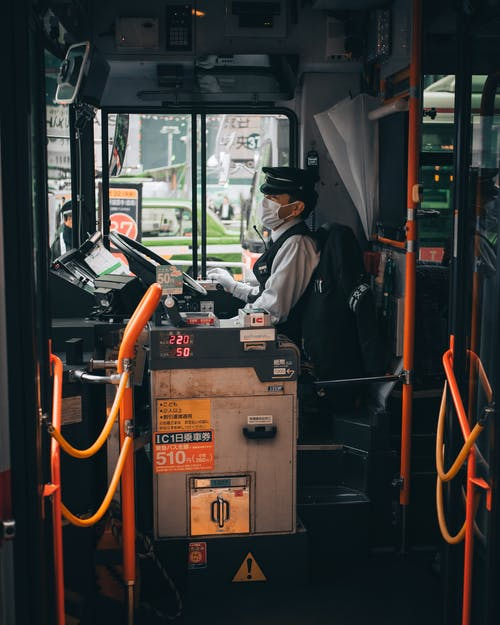 Безкоштовне стокове фото на тему «автобус, автомобільний, водій, людина»