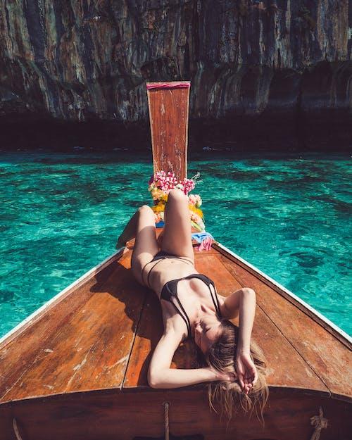 Kostenloses Stock Foto zu ausflug, ausruhen, badeort, bikini