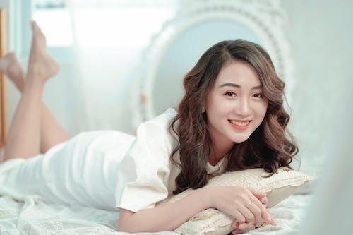 Ilmainen kuvapankkikuva tunnisteilla aasialainen nainen, brunette, ilme, kaunis nainen