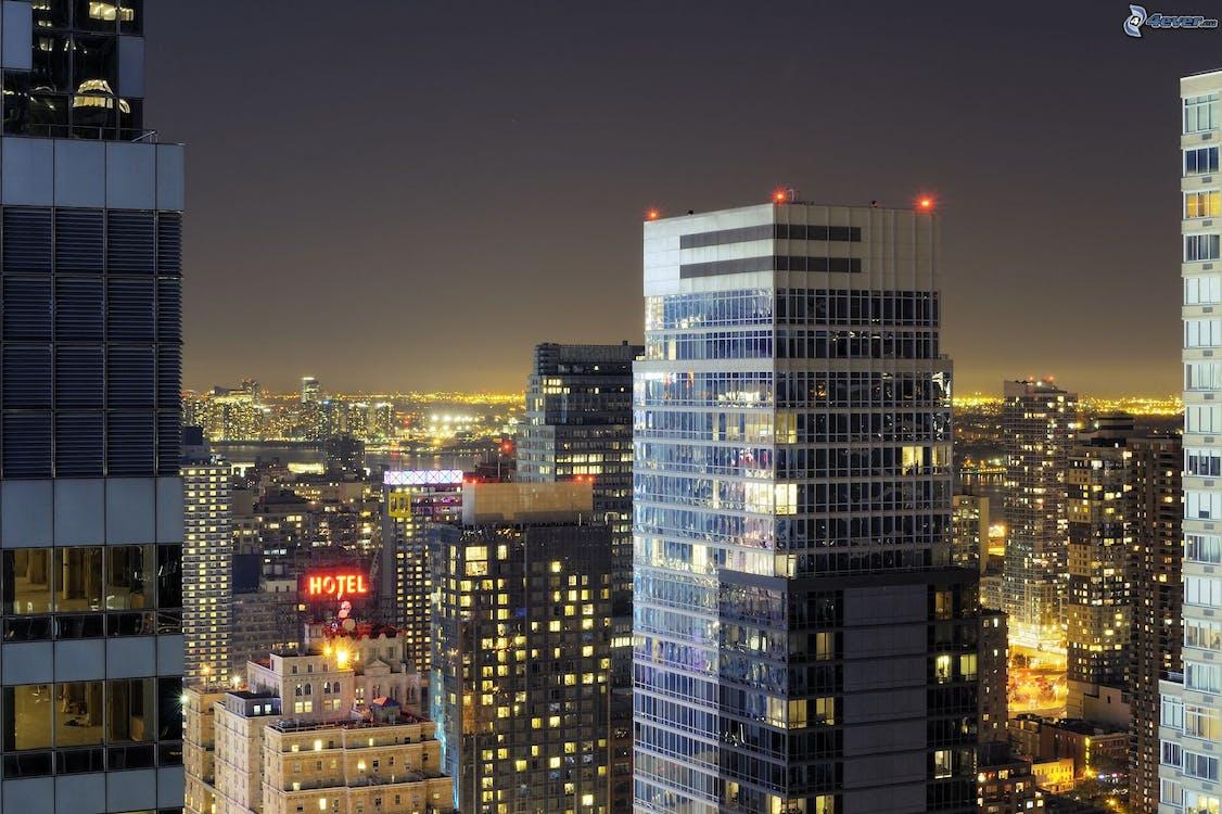 Foto stok gratis gedung menara, gedung pencakar langit, gedung tinggi