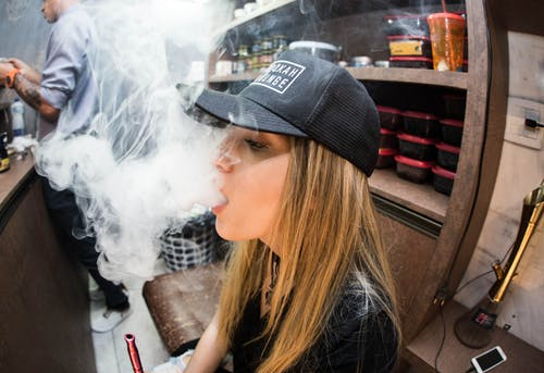 vaping, 休閒, 吸電子煙, 女人 的 免費圖庫相片