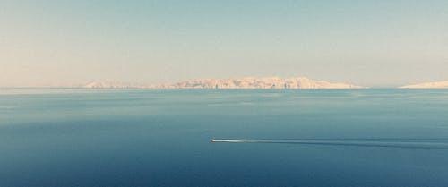 Kostenloses Stock Foto zu adriatisches meer, berg, boot, boot fähre
