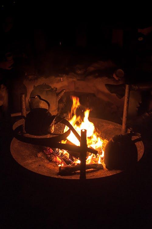 Imagine de stoc gratuită din cald, ceainic, foc, foc de tabără