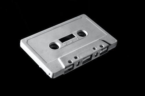 Foto d'estoc gratuïta de analògic, blanc i negre, casset, cinta de casset