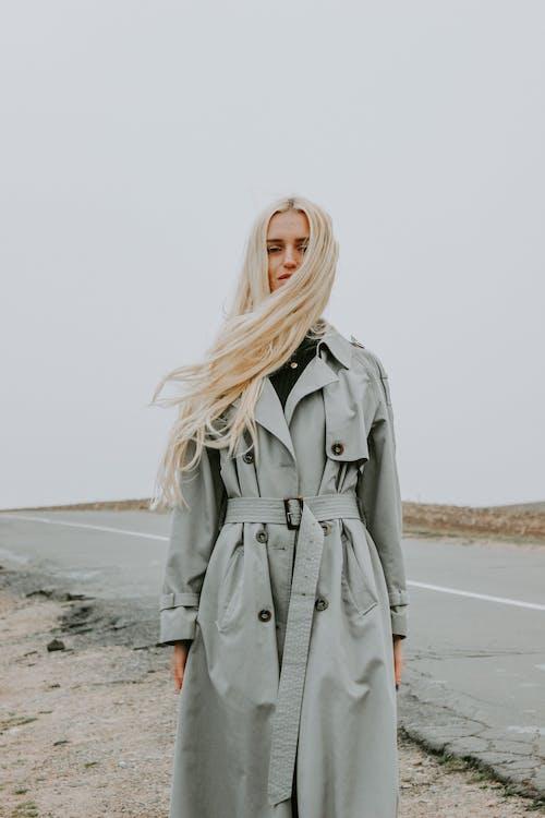 Kostnadsfri bild av ha på sig, kvinna, mode, modell