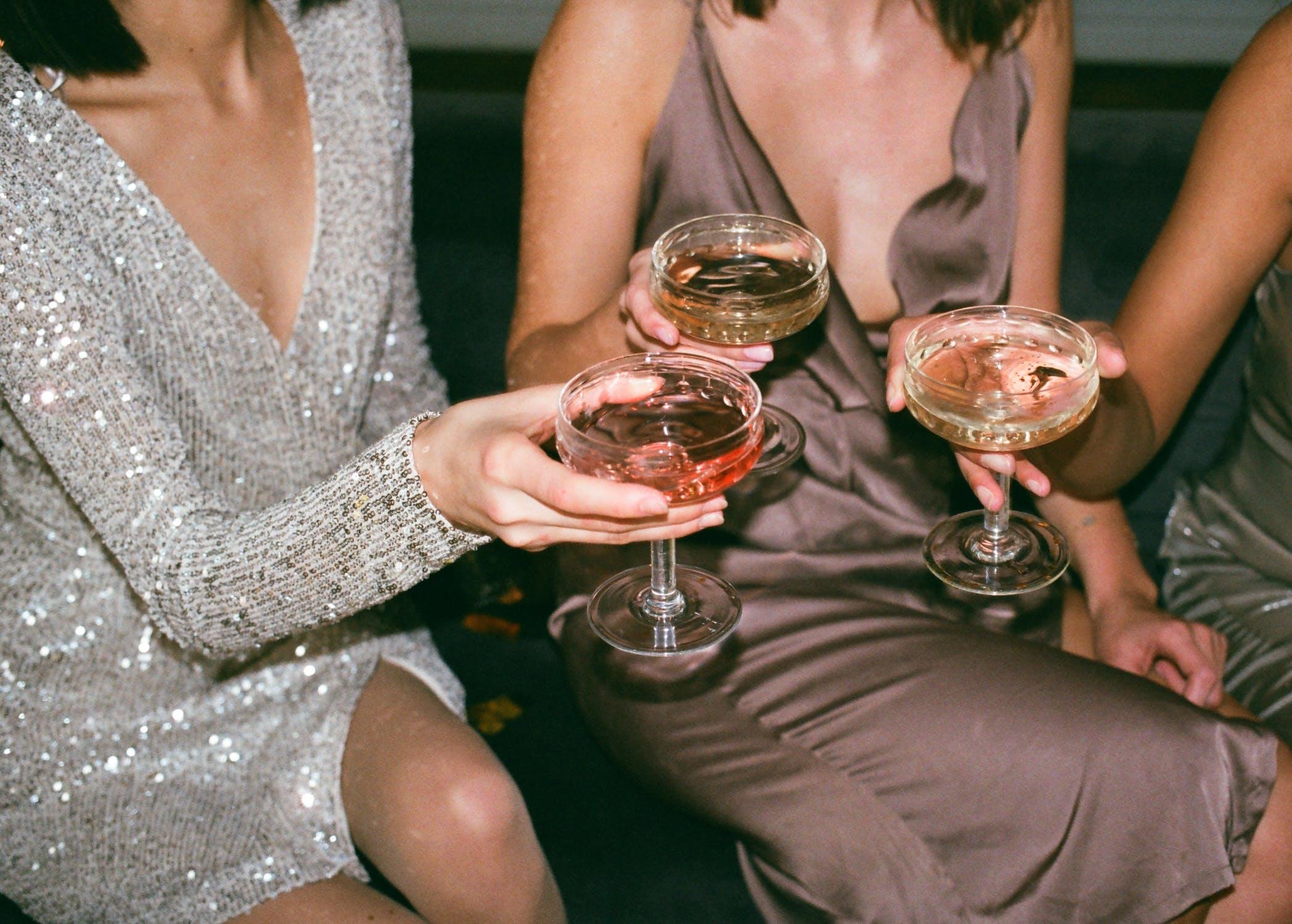 Consejos para elegir un vestido de noche que gire las cabezas.