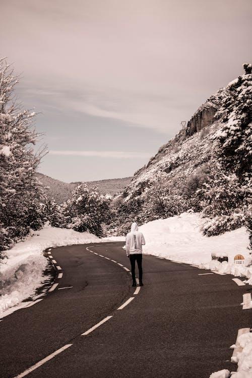 Fotobanka sbezplatnými fotkami na tému cesta, cloudsd, dobrodružná cesta, fotografia
