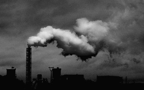 Foto Monocromática De Planta Industrial