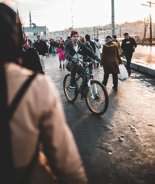 Kostenloses Stock Foto zu fahrrad, jeden tag, mann, menschen