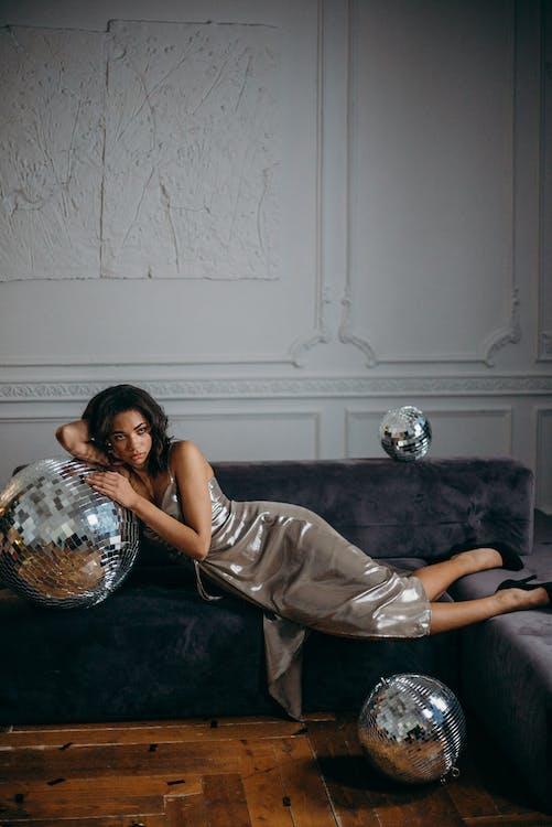 Základová fotografie zdarma na téma disko koule, focení, gauč