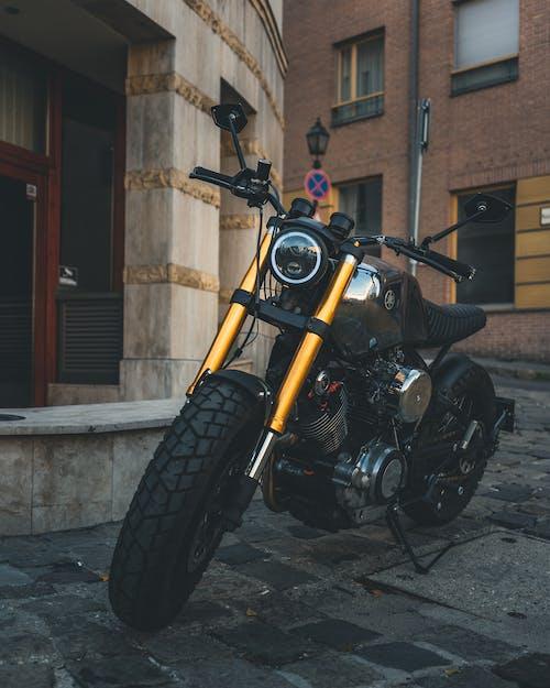 Immagine gratuita di argento, caféu racer, moto, motocicletta