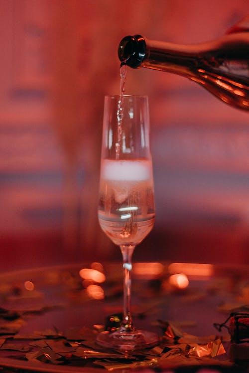 Fotobanka sbezplatnými fotkami na tému alkohol, alkoholová fľaša, fľaša vína, hĺbka ostrosti