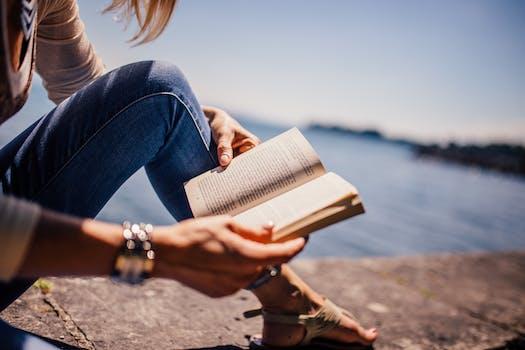 500+ Engaging Reading Photos · Pexels · Free Stock Photos