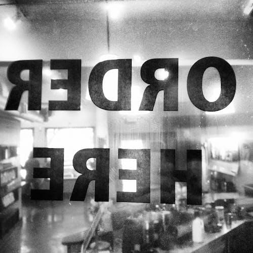 Gratis stockfoto met bestel hier, café, cafetaria, eetcafé