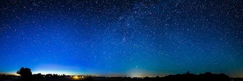 Gratis lagerfoto af aften, astronomi, blå, farverig