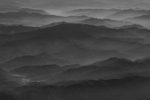 Gratis stockfoto met bergen, bergketen, landschap, mist