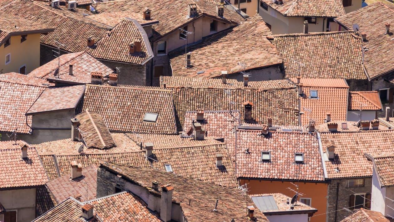 budovy, domy, strechy