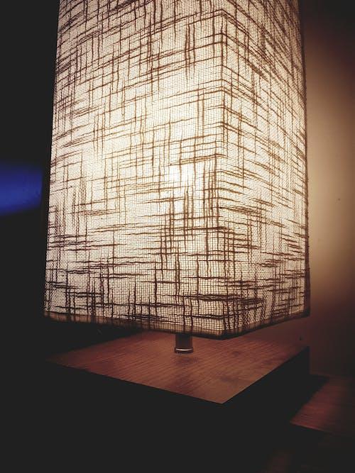 açık, ahşap, aydınlatılmış, bina içeren Ücretsiz stok fotoğraf