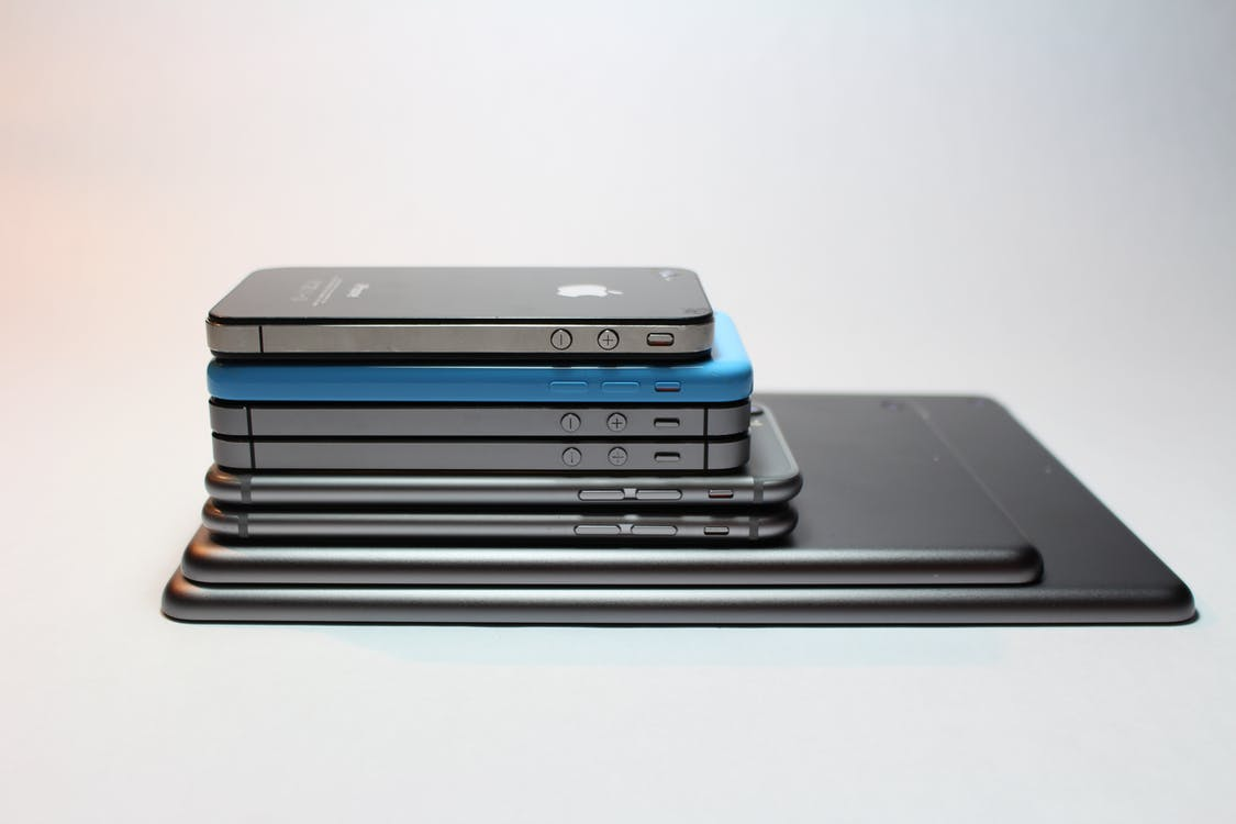 Assorted Iphone Lot
