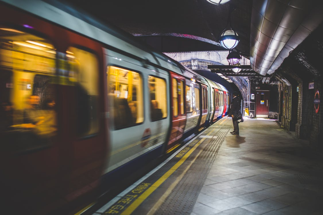 人, 公共交通工具, 地鐵