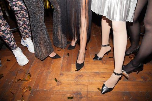 Foto stok gratis alas kaki, dalam ruangan, fashion, fesyen