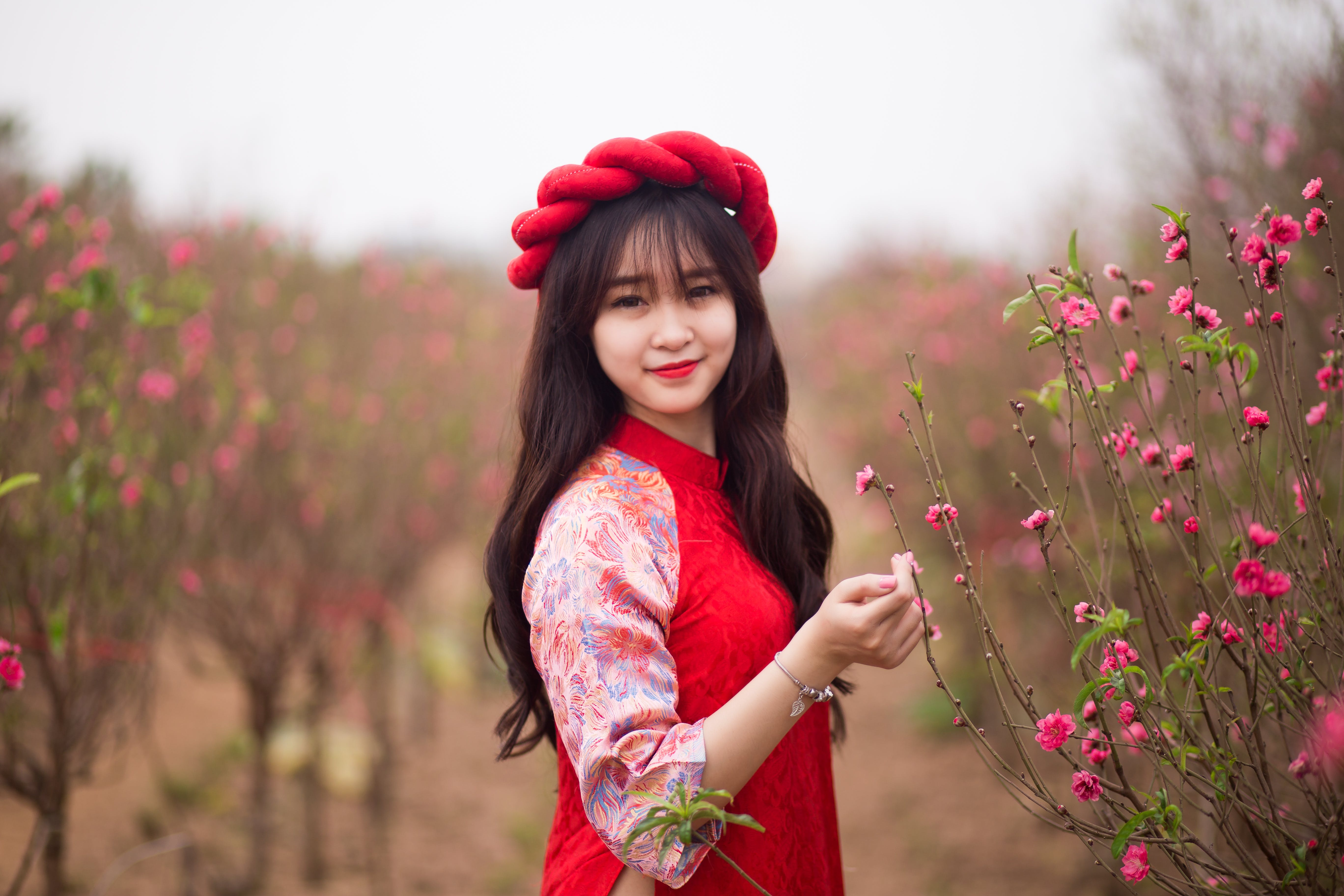 Free stock photo of blossom, girl, smiling, vietnamese