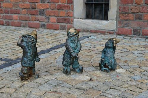 Darmowe zdjęcie z galerii z bruk, figurki, kamienie, krasnolud