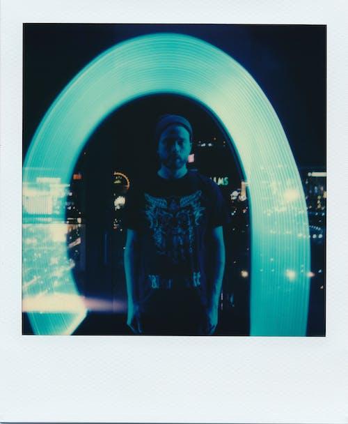 Kostenloses Stock Foto zu beleuchtung, dressman, dunkel, farben