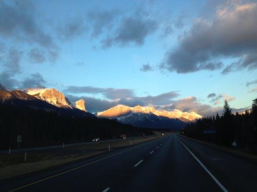 亞伯達省, 加拿大, 太阳落山, 山 的 免费素材照片