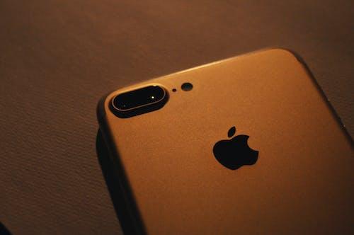 Free stock photo of dark, iphone, iphone 7 plus, light
