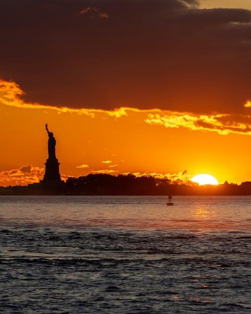 Ilmainen kuvapankkikuva tunnisteilla aamu, Amerikka, arkkitehtuuri, auringonlasku