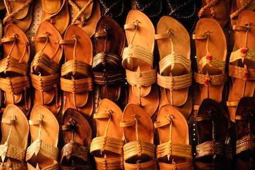 Gratis lagerfoto af indisk, lædervarer, sko