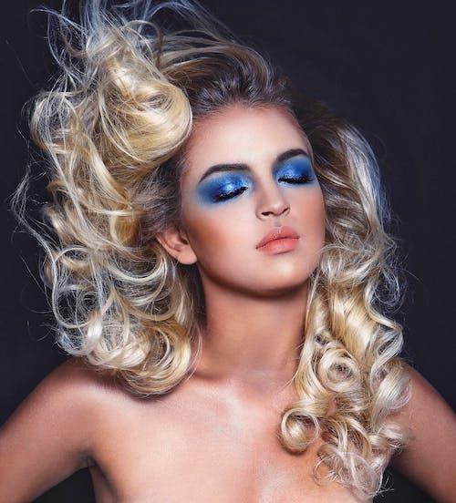 Imagine de stoc gratuită din albastru, albastru clasic, buze, coafură