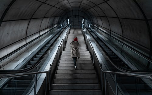Imagine de stoc gratuită din arhitectură, călătorie, linii de metrou, mers în sus