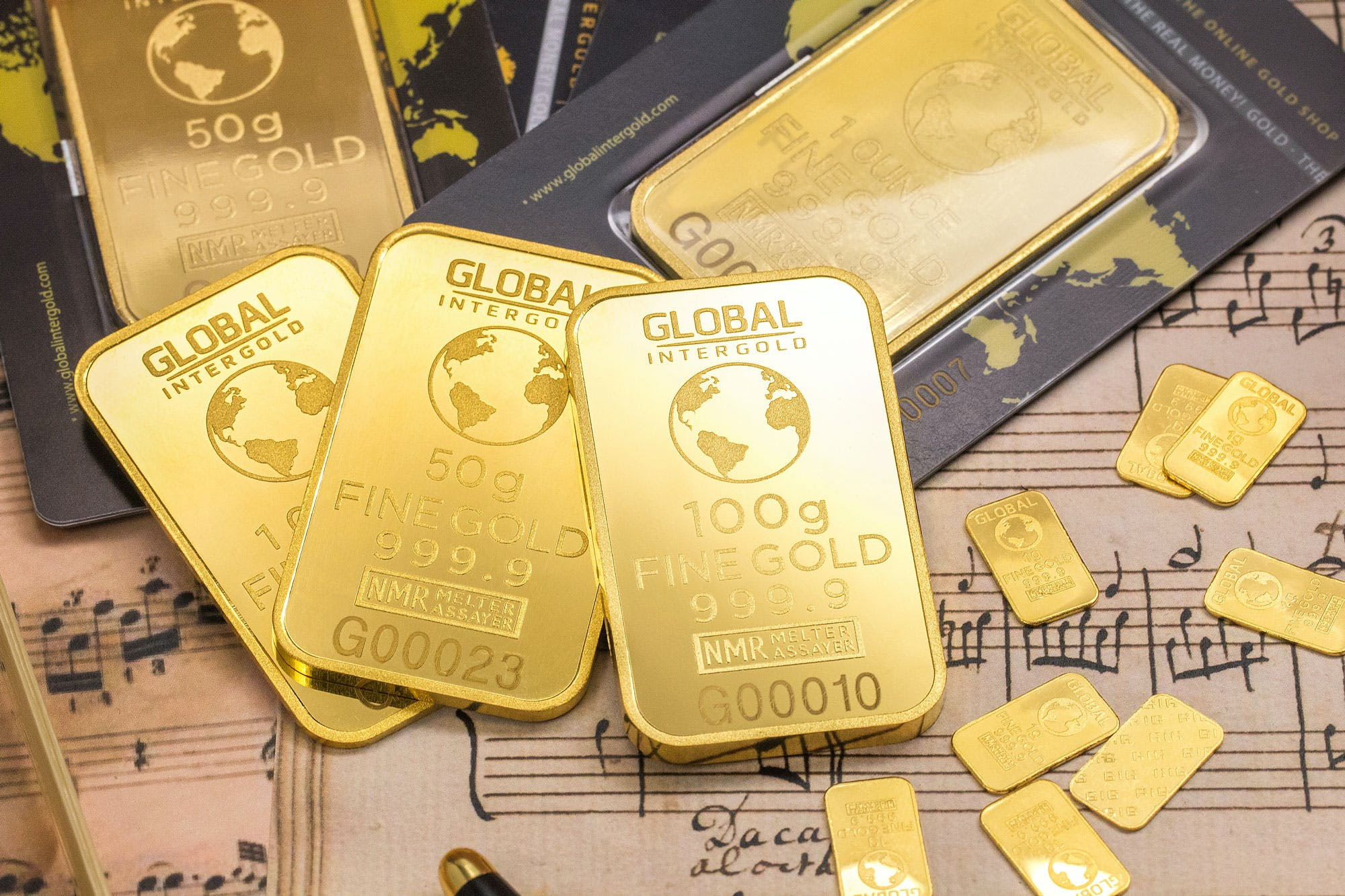 Gold Global Plates