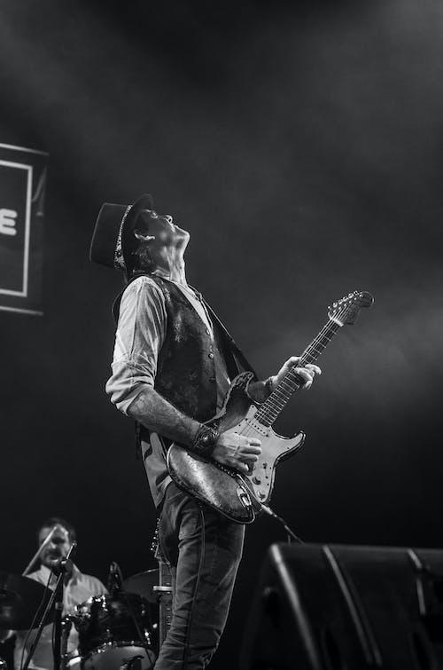 人, 吉他手, 單色, 娛樂 的 免費圖庫相片