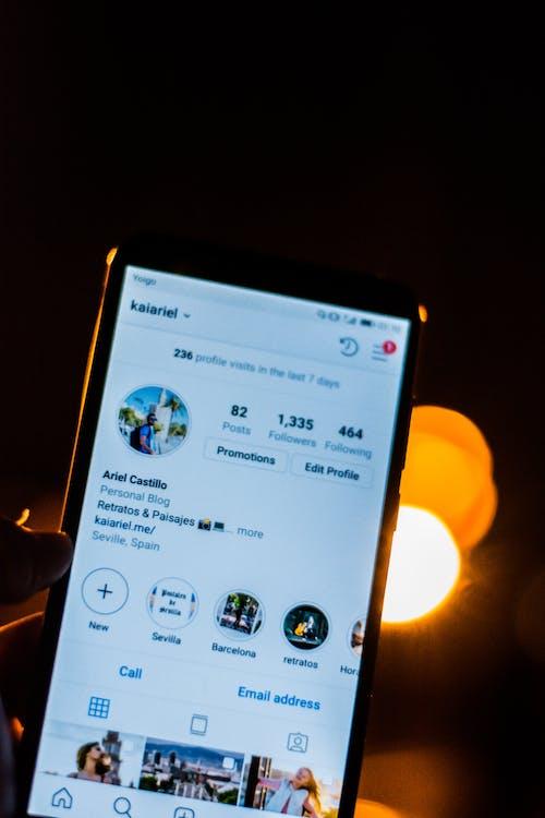 Free stock photo of cell phone, instagram, instagramer