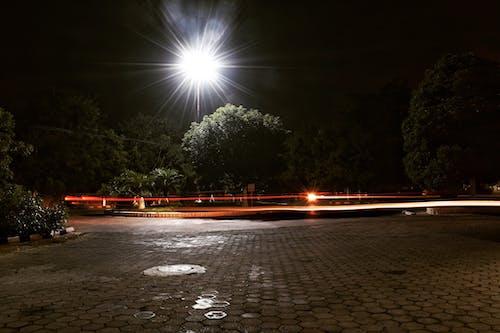 Základová fotografie zdarma na téma městská ulice, noc, světelné stopy, venkovní
