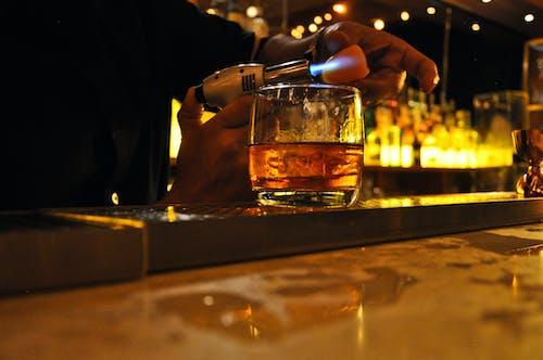 Kostnadsfri bild av atmosfär, bar café, drycker, färger