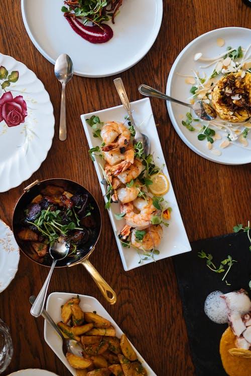 Kostnadsfri bild av aptitretande, bestick, bord