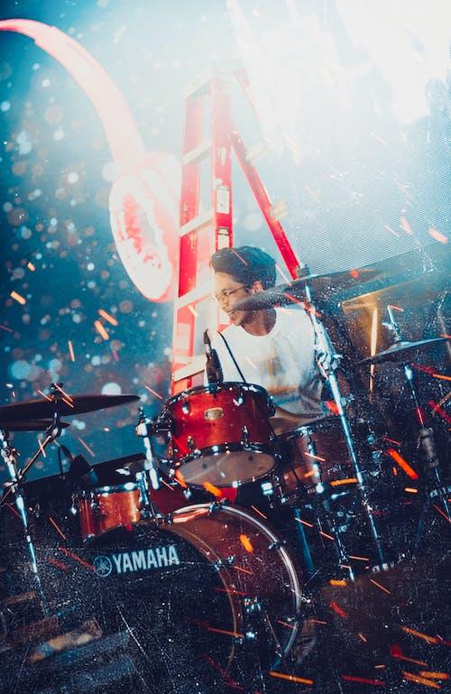 Gratis stockfoto met drummer, drums, fase, kerel