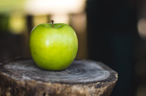 Free stock photo of apple, blurry, blurry background, close up