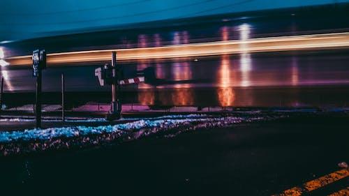 Бесплатное стоковое фото с автомобильные огни, автомобильные фары, асфальт, голубой