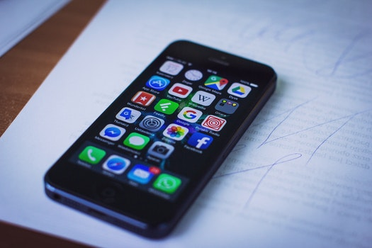 Free stock photo of iphone, smartphone, technology, mockup