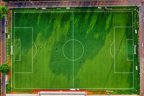 Darmowe zdjęcie z galerii z boisko piłkarskie, boisko sportowe, bramka, dron